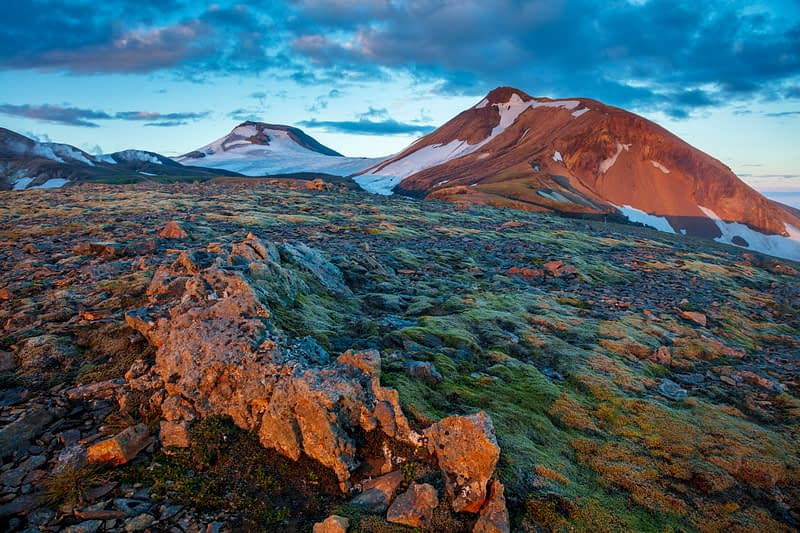 Volcanic mountain scenery along the Laugavegur trail near Hrafntinnukser. Central Highlands, Sudhurland, Iceland.