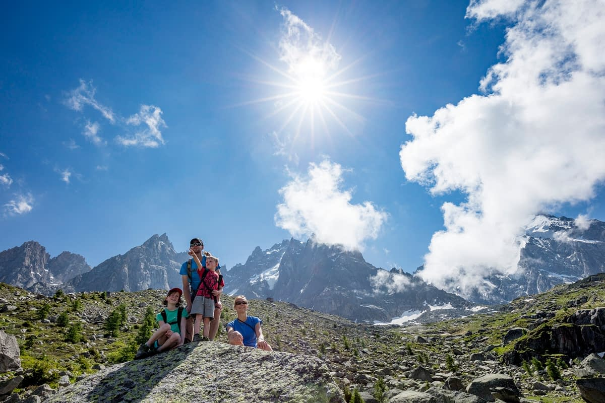 Hiking family on Grand Balcon Nord, Chamonix Valley, French Alps, France.