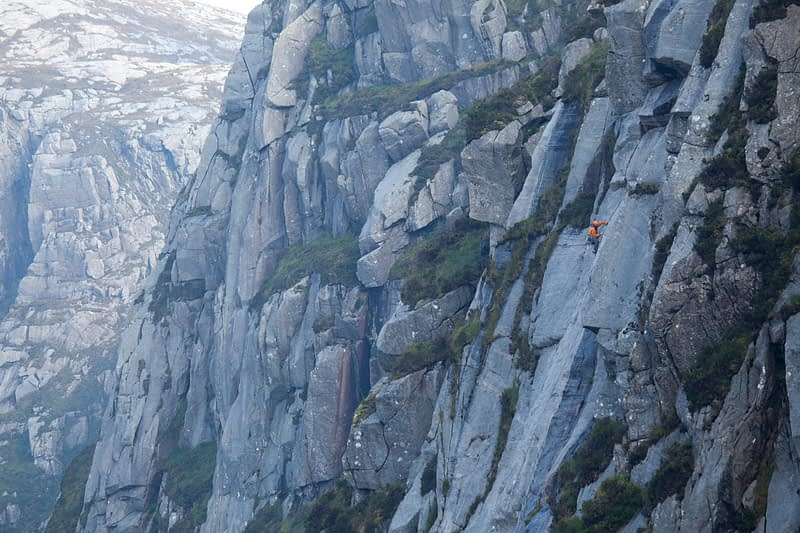 Kevin McGee climbing Michéal (E1 5b) on West Buttress, Poisoned Glen, Derryveagh Mountains, County Donegal, Ireland.