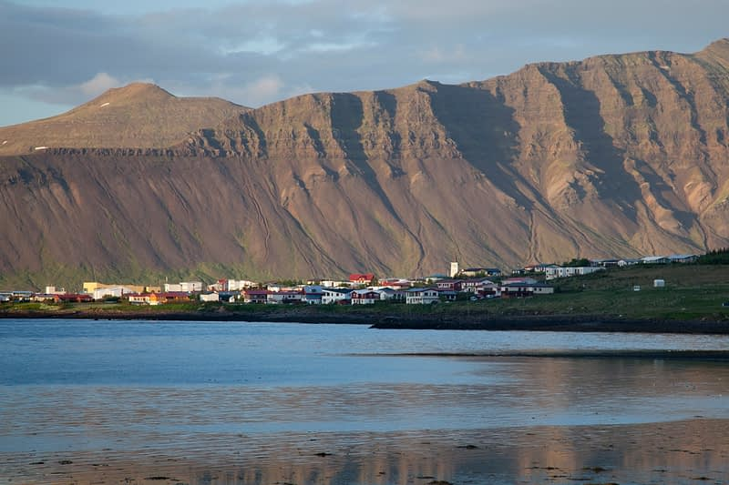 The coastal village of Grundarfjordur, Snaefellsnes Peninsula, Vesturland, Iceland.