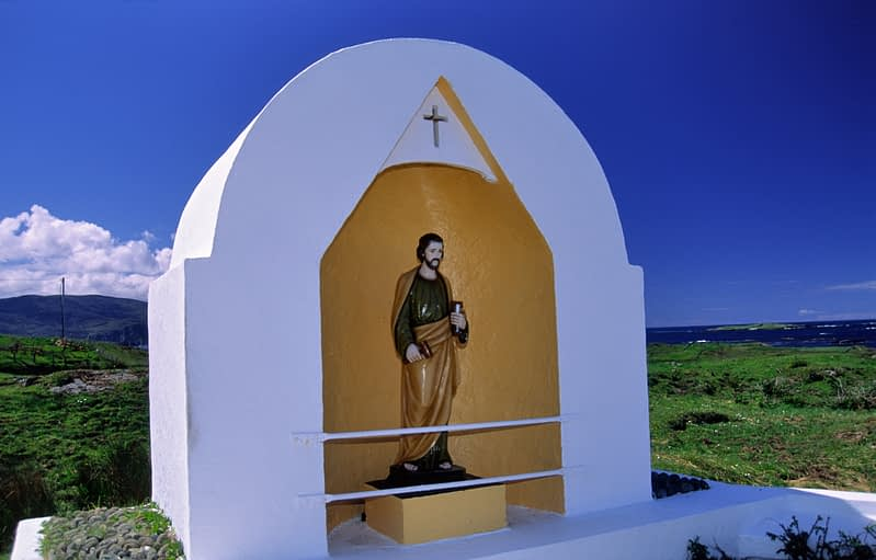 Road-side shrine, Rosbeg, Co Donegal, Ireland.