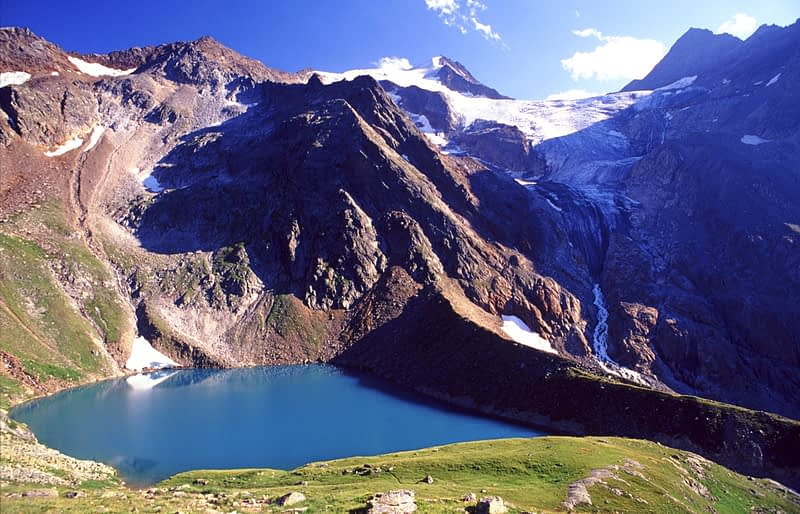 The Grunasee and Wilder Freiger, Stubai Hohenweg, Stubai Alps, Austria.