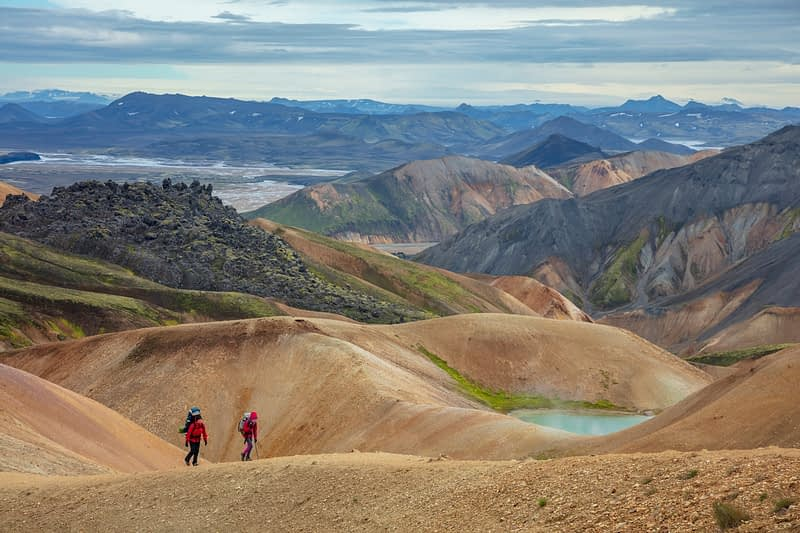 Hikers on the Laugavegur trail near Landmannalaugar. Central Highlands, Sudhurland, Iceland.