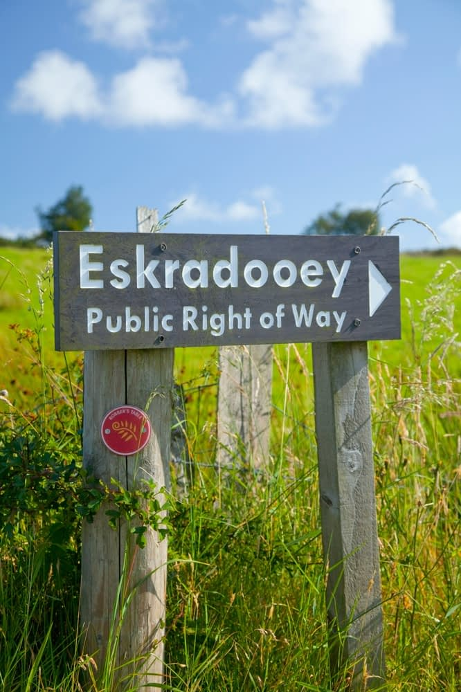 Eskradooey signpost, Robbers Table walk, Co Tyrone, Northern Ireland.