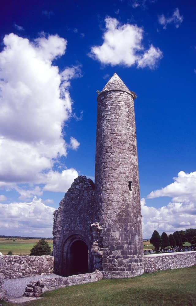 Temple Finghin and round tower, Clonmacnoise, Co Offaly, Ireland.